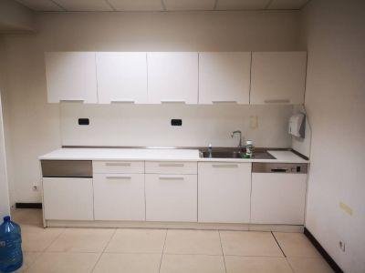 751004 Kitchen Cabinet