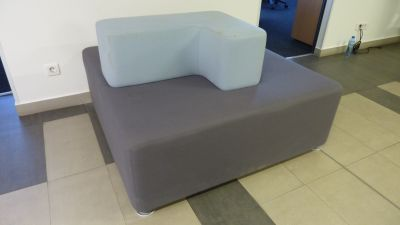 80110  Sofa Steelcase