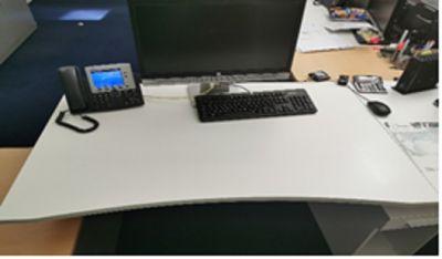 92087  Operational desk Steelcase