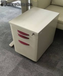 04437 Metal container SteelCase
