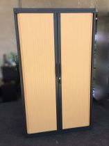39642 Шкаф с плъзгащи ролетни врати SteelCase